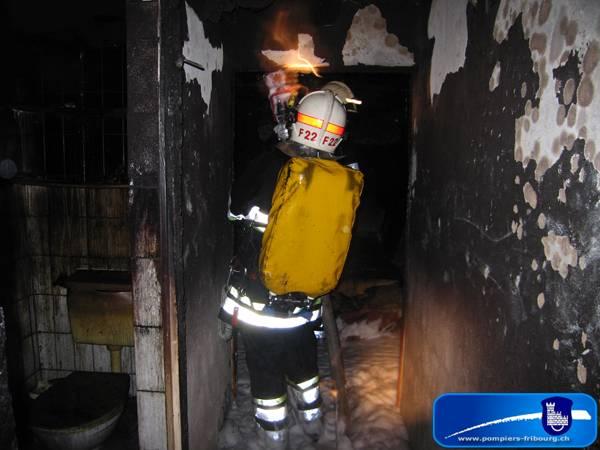 090516_fribourg_incendie_feu-de-combles_015