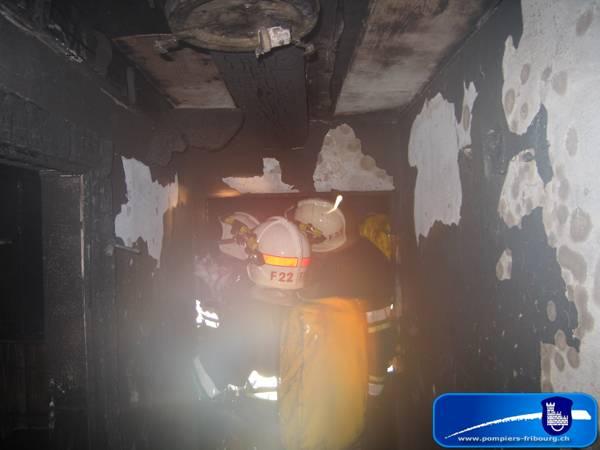090516_fribourg_incendie_feu-de-combles_017