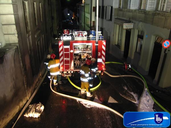 090516_fribourg_incendie_feu-de-combles_060
